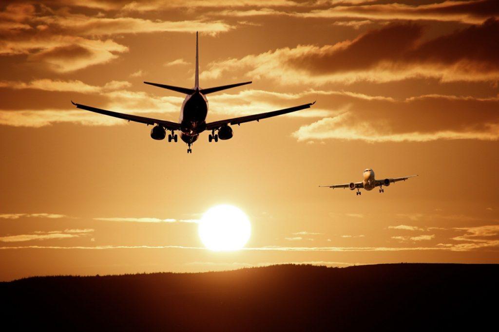 Ce n'est pas du commerce d'augmenter le prix des billets d'avion ou de train pour COVID